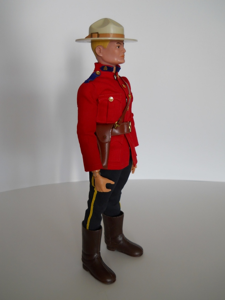 http://collectorville.net/joomla16/images/Mountie/smounted016.jpg